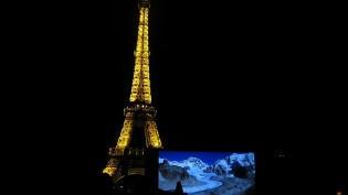 Eiffel-Paris-home-movie-cc