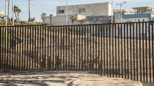 border-fence-cc