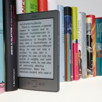ebook-kindle-shelf