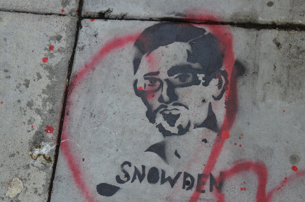 edward-snowden-stencil-cc
