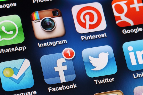 social media, facebook, twitter, pinterest, instagram, iphone apps
