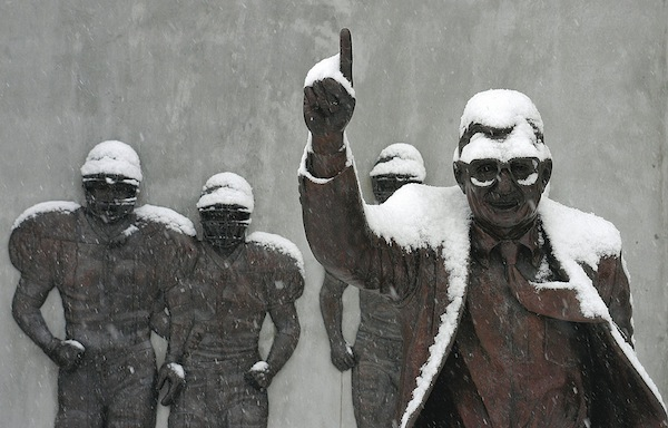 joe-paterno-statue-cc