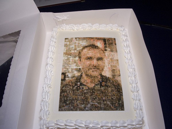 Cake featuring the likeness of Nick Denton