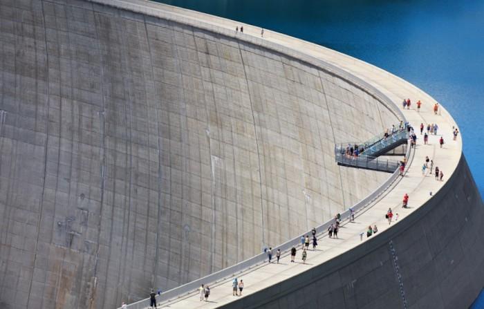 paywall-dam-990