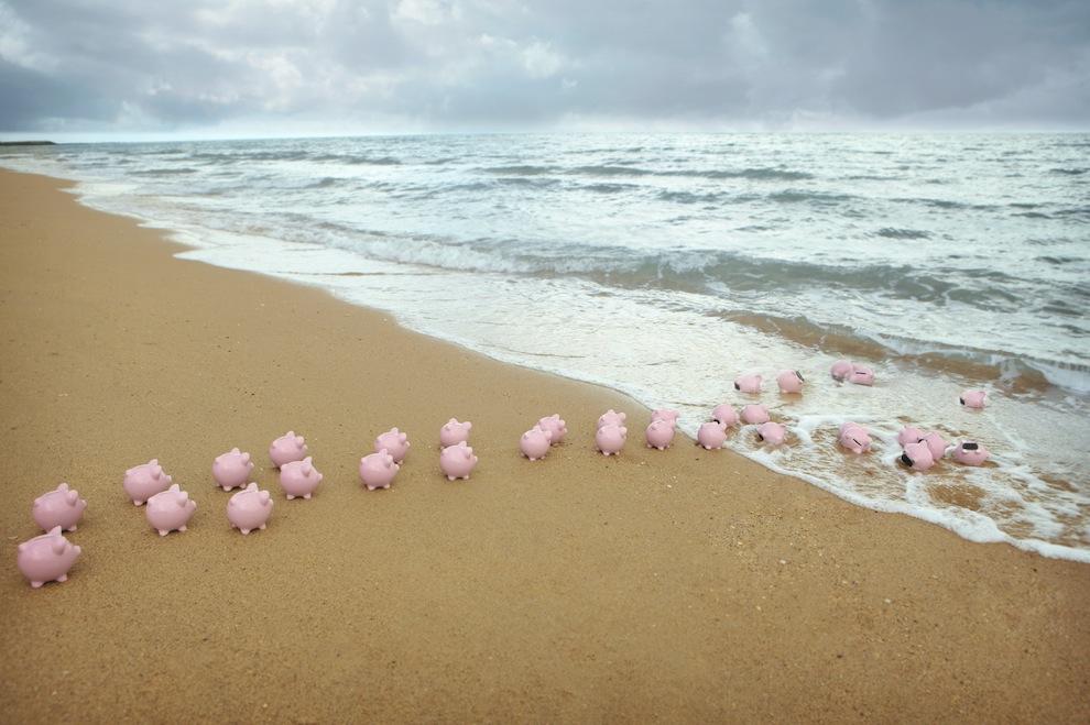 piggy-bank-offshore-banking-beach