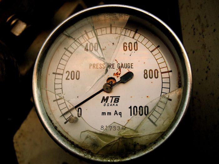 pressure-gauge-stress-cc