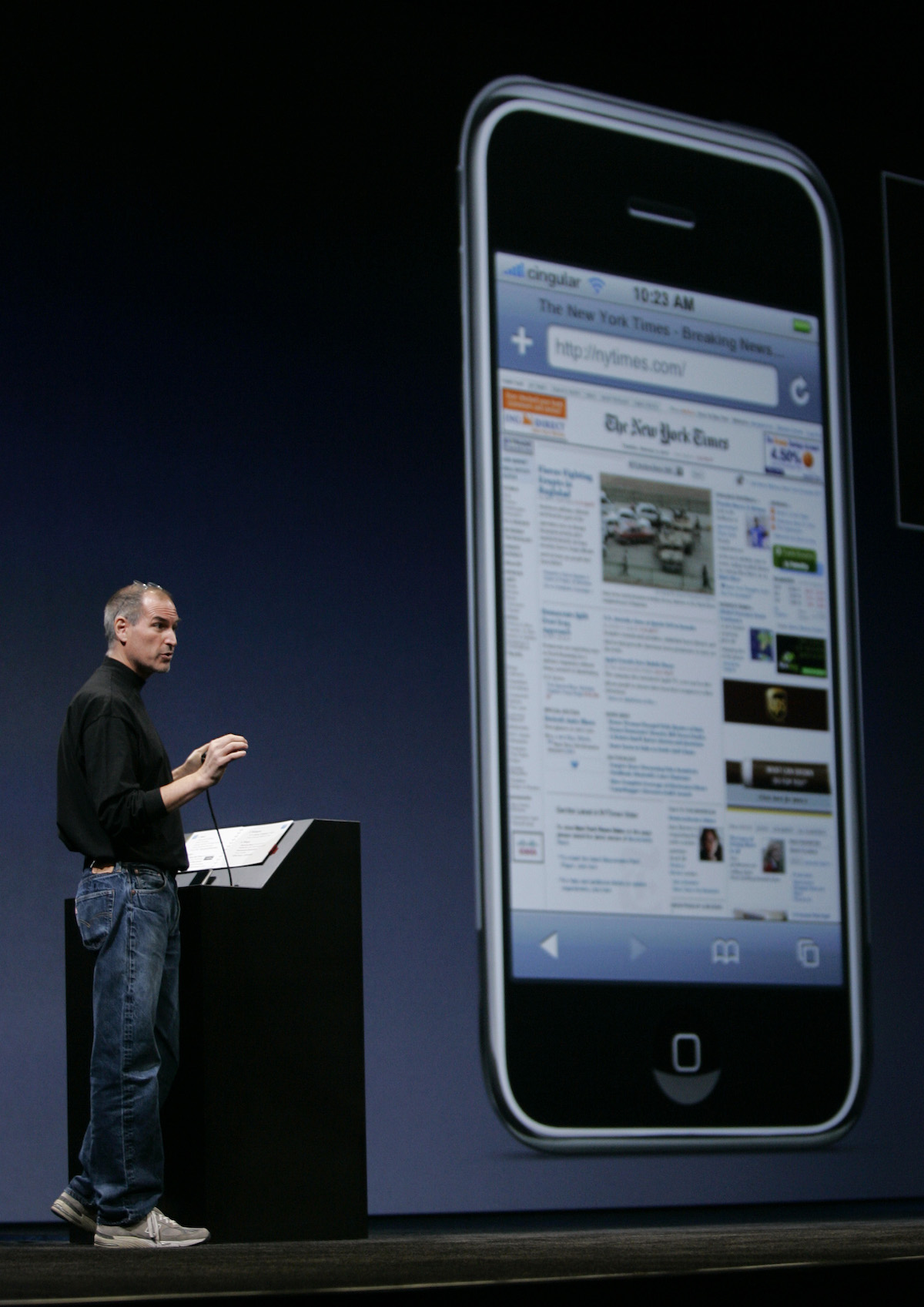 steve-jobs-iphone-nytimes-2007-ap