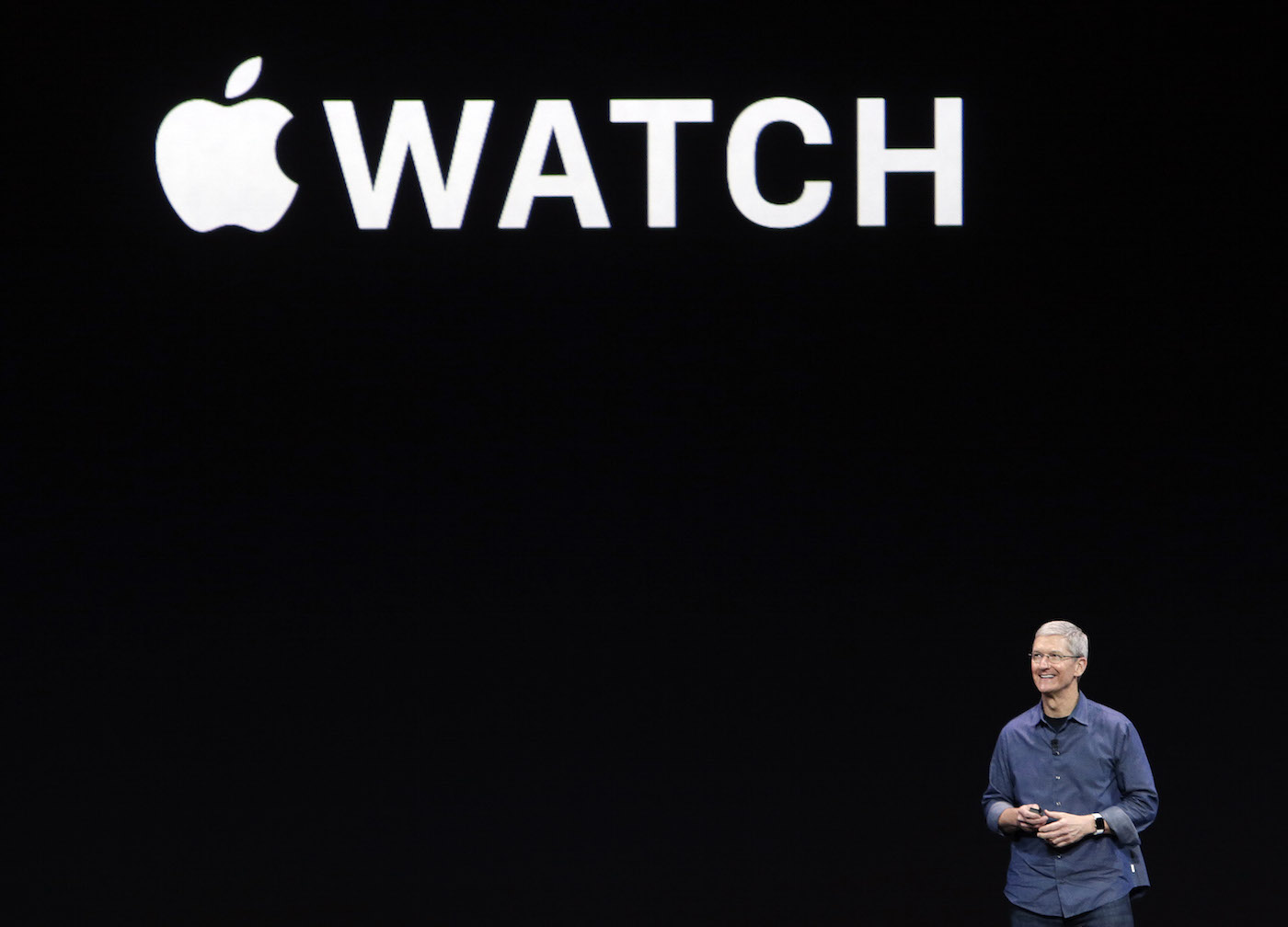 tim-cook-apple-watch-intro-ap
