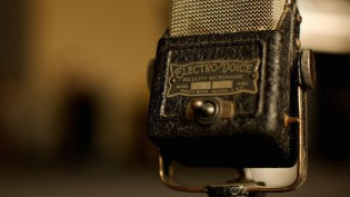 vintage-microphone-cc